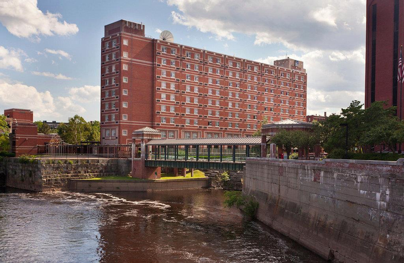 UMass Lowell Inn and Conference Center, Middlesex