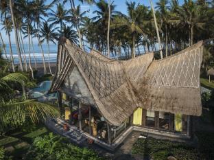 Absolute Beachfront Romantic Villa Laut, Tabanan