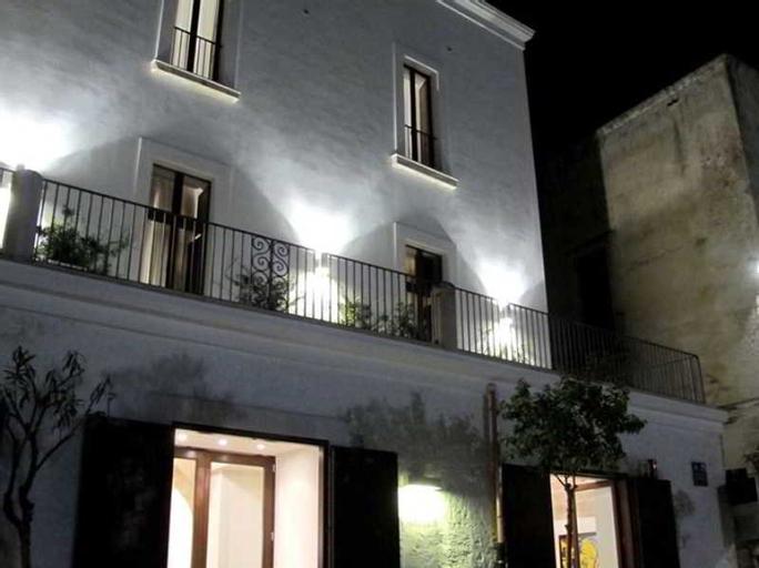Palazzo Indelli, Bari