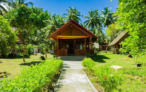 Surf Camp Siberut, Kepulauan Mentawai