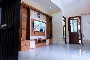 Villa 3 kamar full AC ada Gazebo dekat UGM, Yogyakarta