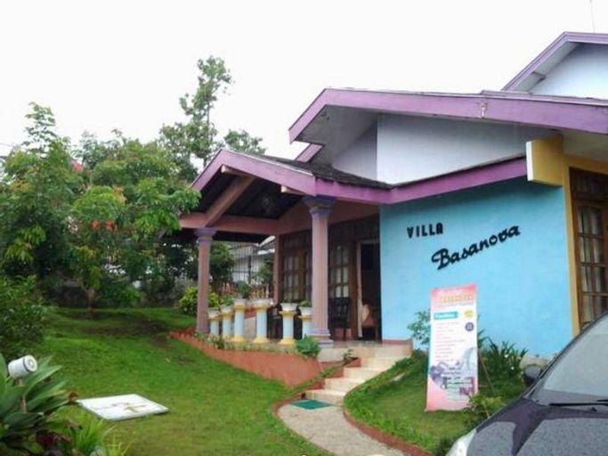 Villa and Resto Basanova, Malang