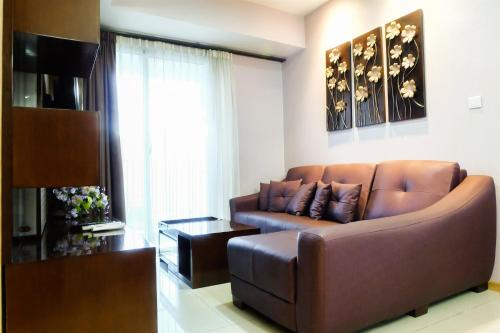 2 BR Elegant, Spacious Casa Grande Residence Apartment By Travelio, West Jakarta