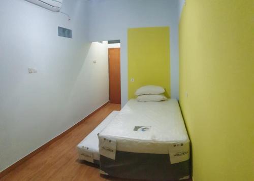 Penginapan Murah Jakarta (Free Wifi) Meruri Hostel, Jakarta Timur