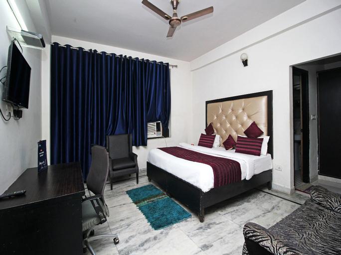 OYO 9069 Hotel WP 13, Gautam Buddha Nagar