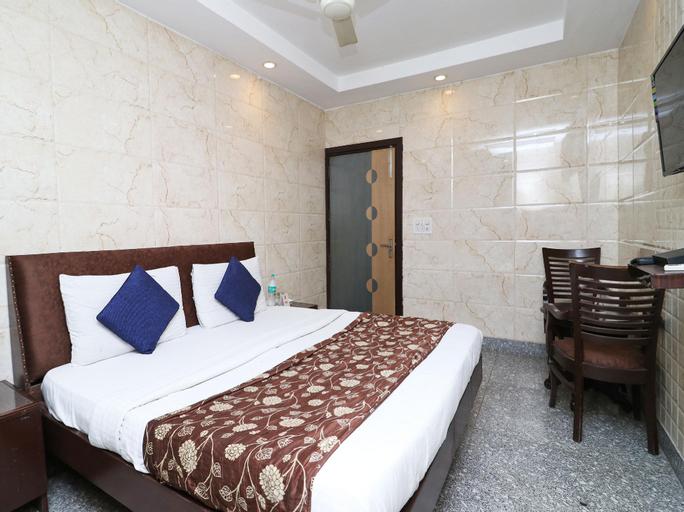 OYO 2705 Hotel Preet Palace, West