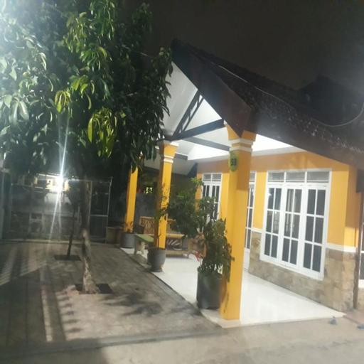 King Homestay, Malang