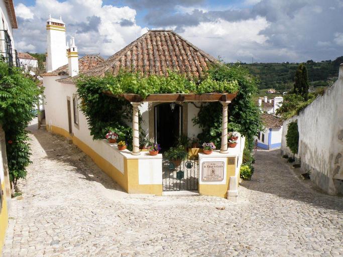 Casa de S. Thiago do Castelo, Óbidos