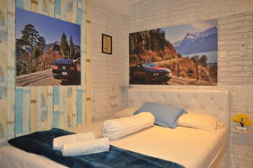 Modern Chic Studio Room at Grand Asia Afrika Apartment By Travelio, Bandung