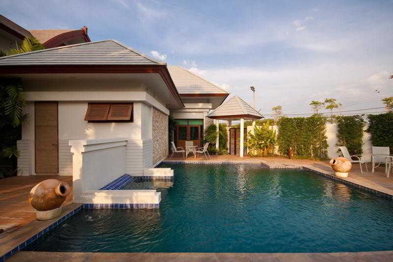 Royal Sammuk villas, Pattaya