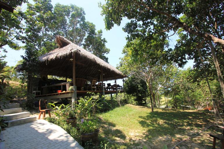 Chomjan Beach Resort, Muang Ranong
