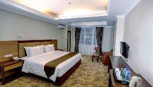 Deluxe King Room at Jl. Pelajar Pejuang 45, Bandung