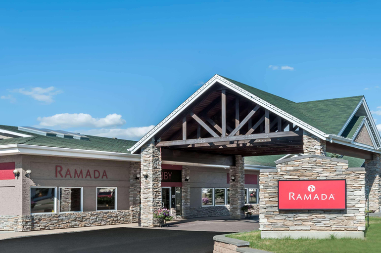 Ramada by Wyndham Stony Plain Hotel & Suites, Division No. 11