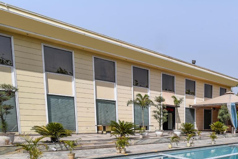 OYO 15418 D'amore Resorts, Gurgaon