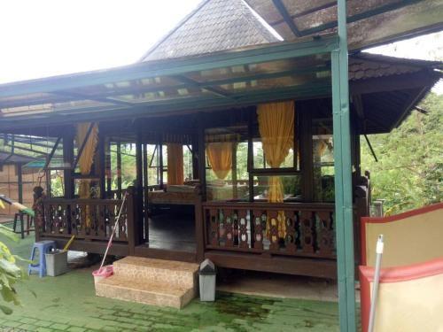 Gazebo Inez, Sukabumi
