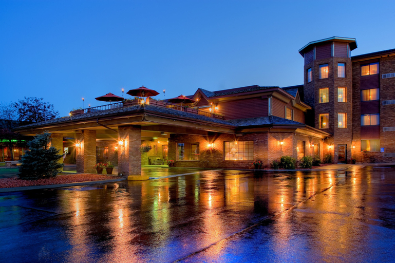 Grand Gateway Hotel, Pennington