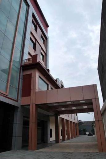 Raz Hotel & Convention Medan, Medan