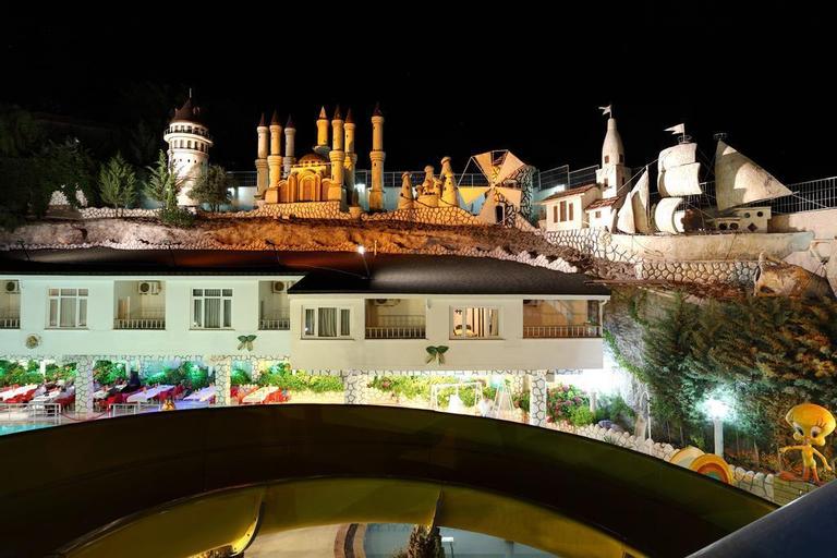 Ugurlu Thermal Resort Spa & Kaplica Kur Merkezi, Şahinbey