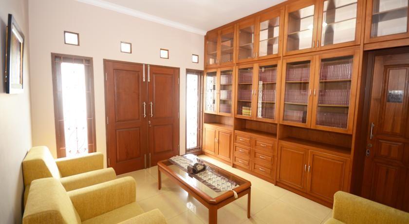 Setra Priangan Guest House, Bandung