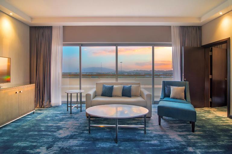 Radisson Blu Hotel and Resort Al Ain,