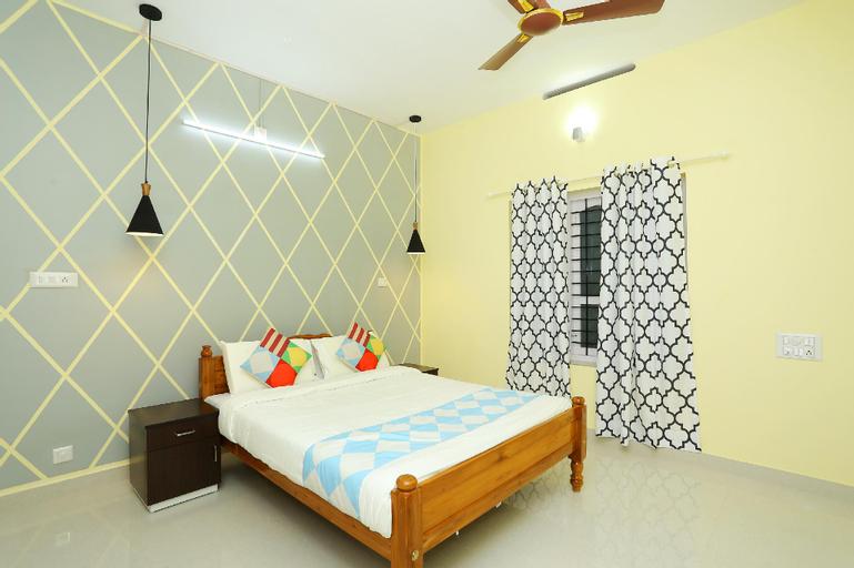 OYO  28030 Spacious, Thiruvananthapuram