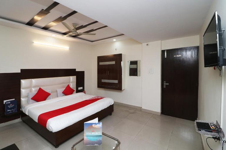 OYO 29028 Hotel Rajpushp, Saharanpur