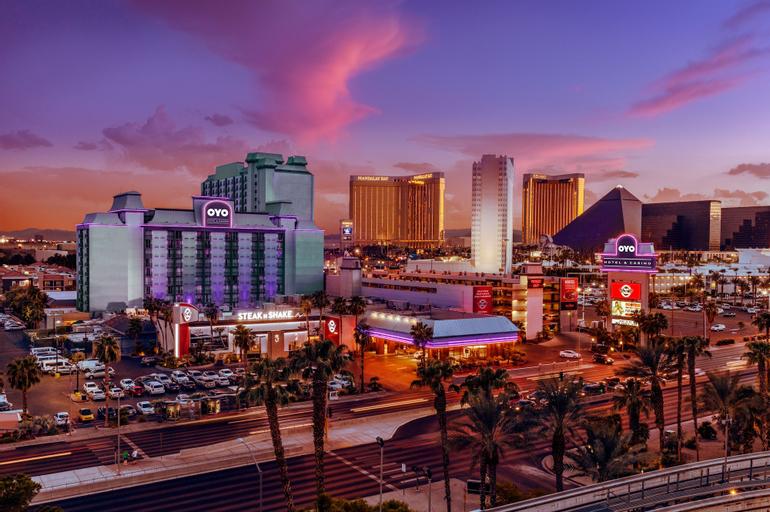 OYO Hotel and Casino Las Vegas, Clark