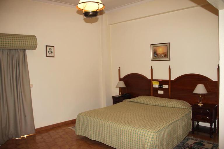 Hotel Maia, Almada
