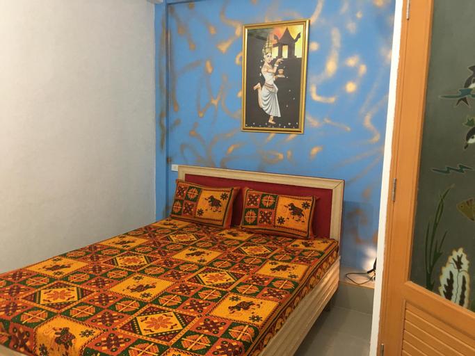 PAPA JI HOTEL AND RESTAURANT (Pet-friendly), Ratchathewi