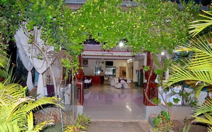 Thampa Hotel, Vavuniya