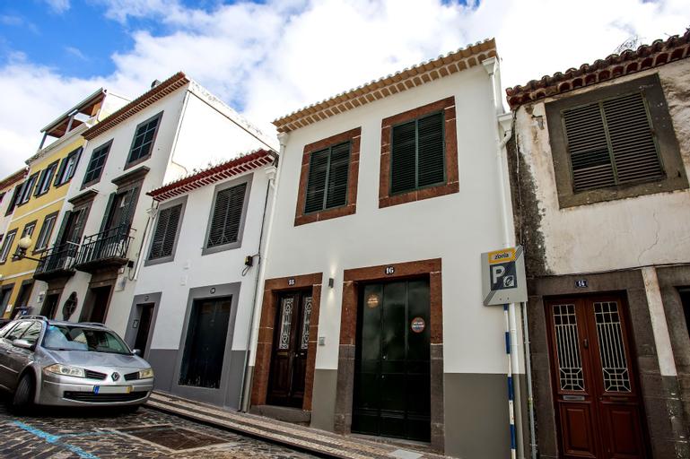 Cayres Suites Surdo, Funchal