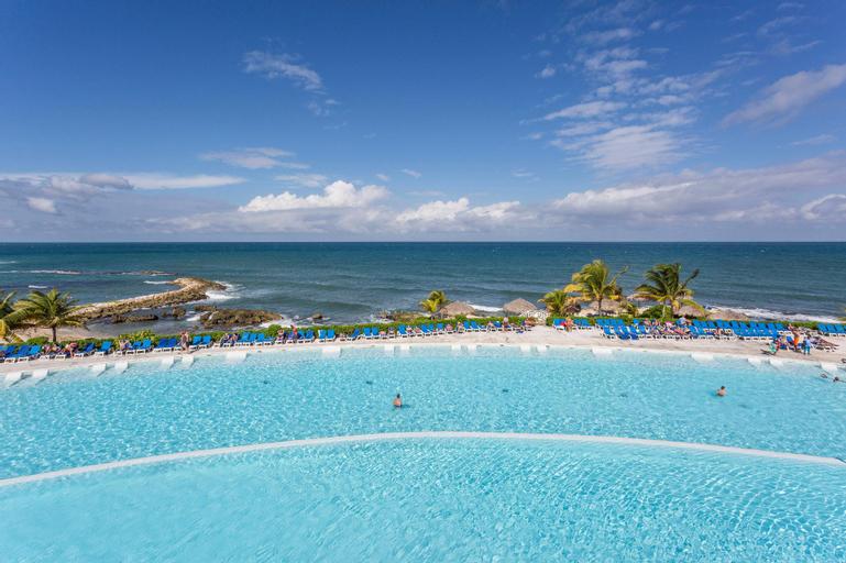 Grand Palladium Lady Hamilton Resort & Spa All Inclusive,