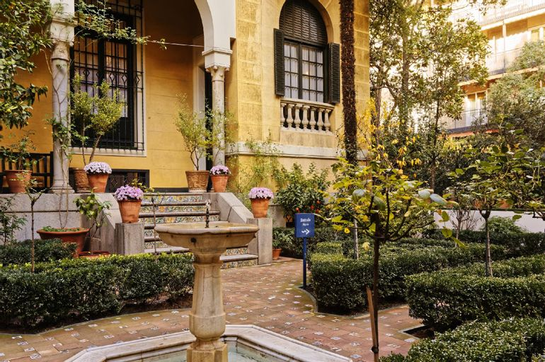 ICON Embassy by Petit Palace, Madrid