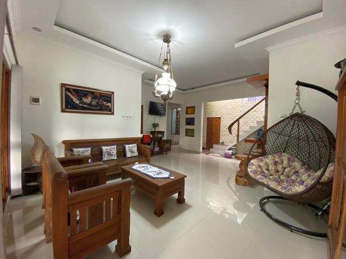 Rengganis Homestay (Full house 3bed rooms), Yogyakarta