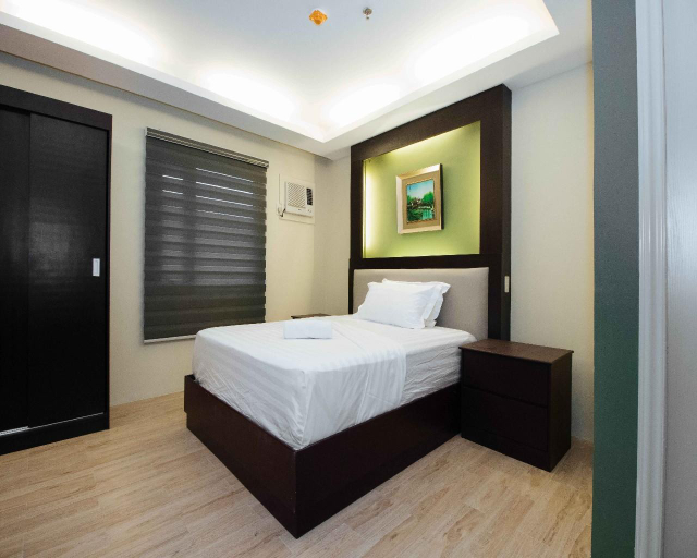 North Pointe Residences, Quezon City