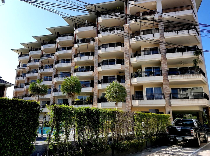 Sunrise Beach Resort and Residence, Sattahip