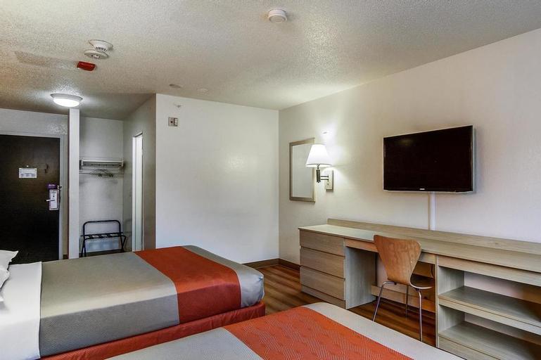 Motel 6 Boston West - Framingham, Middlesex