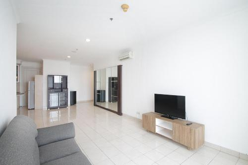 ITC Ambassador Apartment by Stay360, South Jakarta