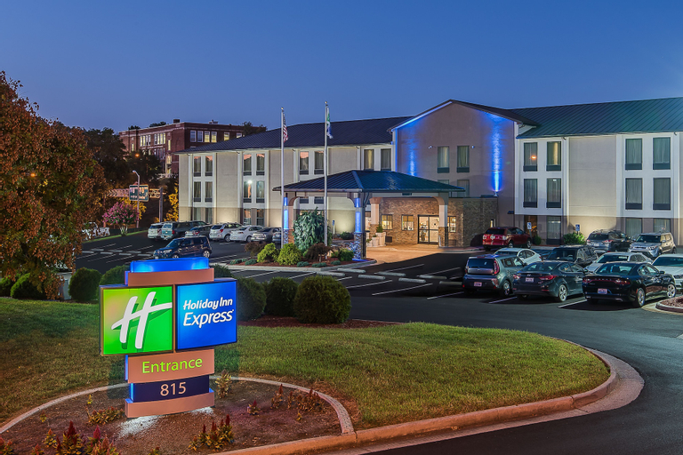 Holiday Inn Express Roanoke-Civic Center, Roanoke City