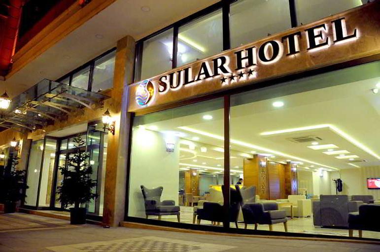Sular Hotel, Merkez