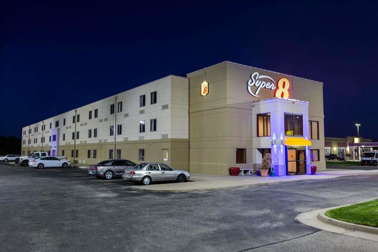 Super 8 by Wyndham Wichita North, Sedgwick