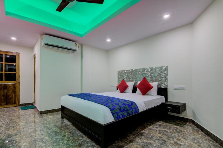 OYO 13462 P S Grand, South Andaman