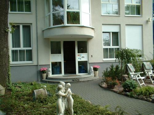 Hotel und Appartementhaus Rheden, Oberhavel