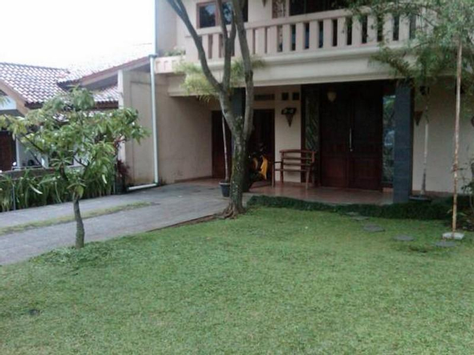 Rancho Topaz Guest House, Cimahi