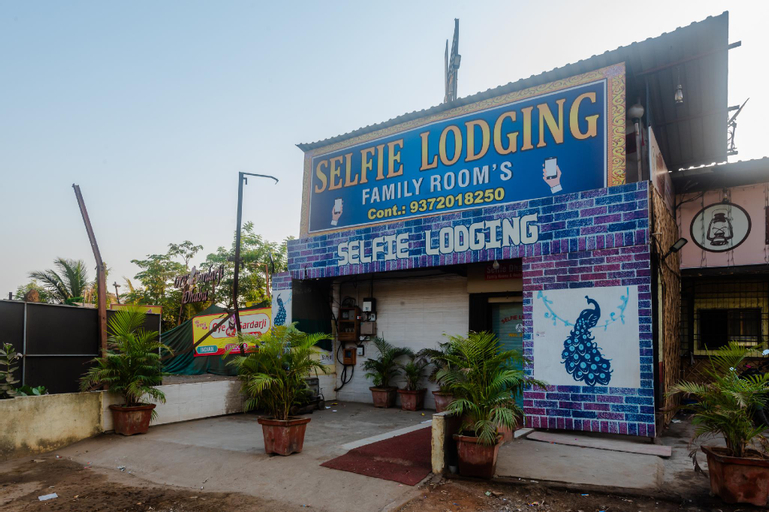 OYO 37530 Selfie Dhaba (Pet-friendly), Palghar