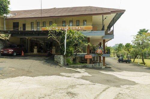 RedDoorz near Gumati Waterpark, Bogor