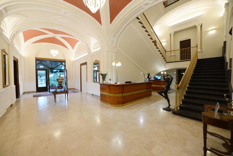 Hotel Vittoria, Napoli