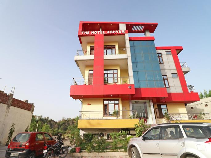 OYO 37749 Hotel Abhyam, Una