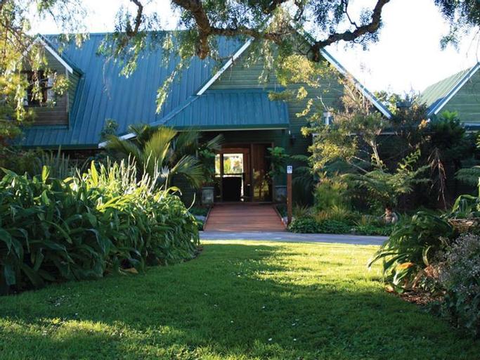 Tawharanui Lodge, Rodney