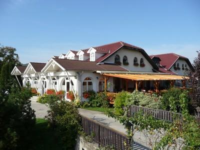 Sziget Hotel&Restaurant, Tatabánya